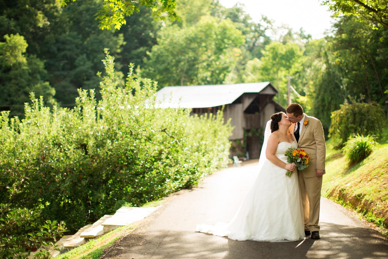 498_Chris+Hannah_Wedding-X2.jpg