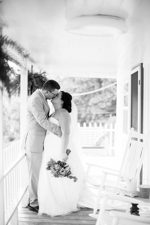 514_Chris+Hannah_WeddingBW-XL.jpg