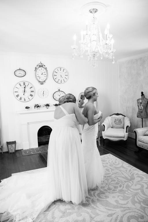 182_Martin+Victoria_WeddingBW-XL.jpg