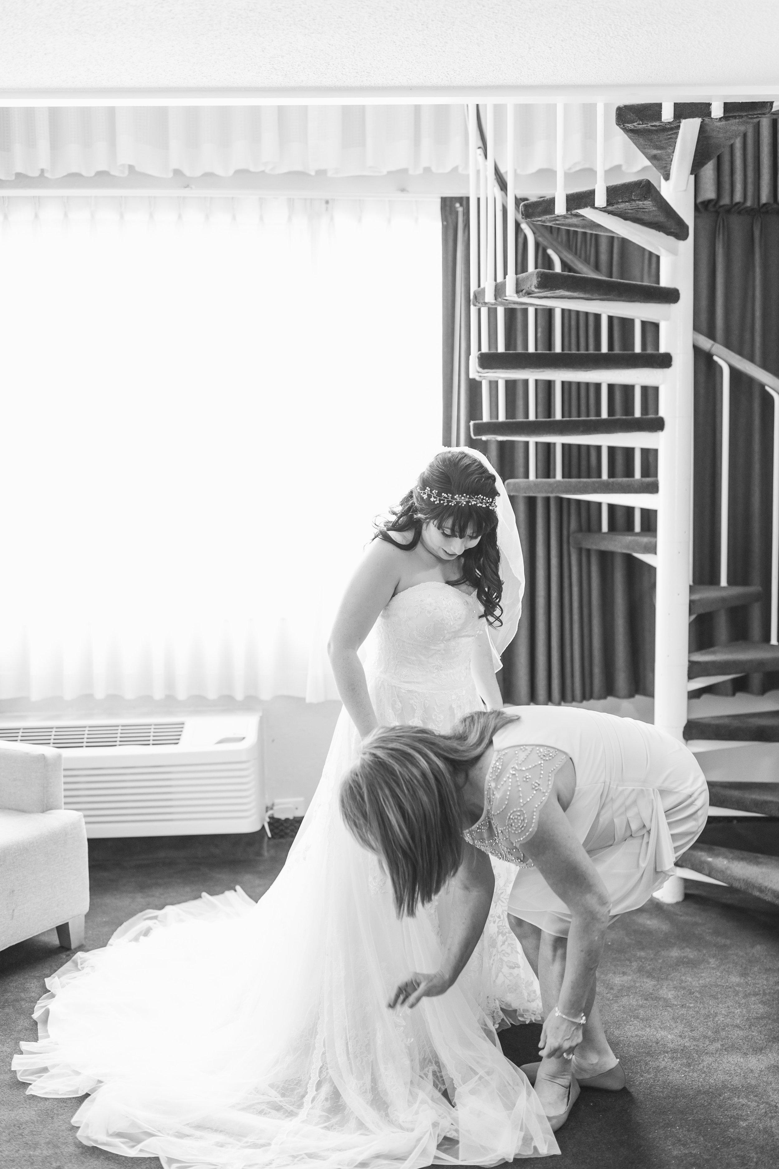 54_Colin+Jessica_WeddingBW.jpg