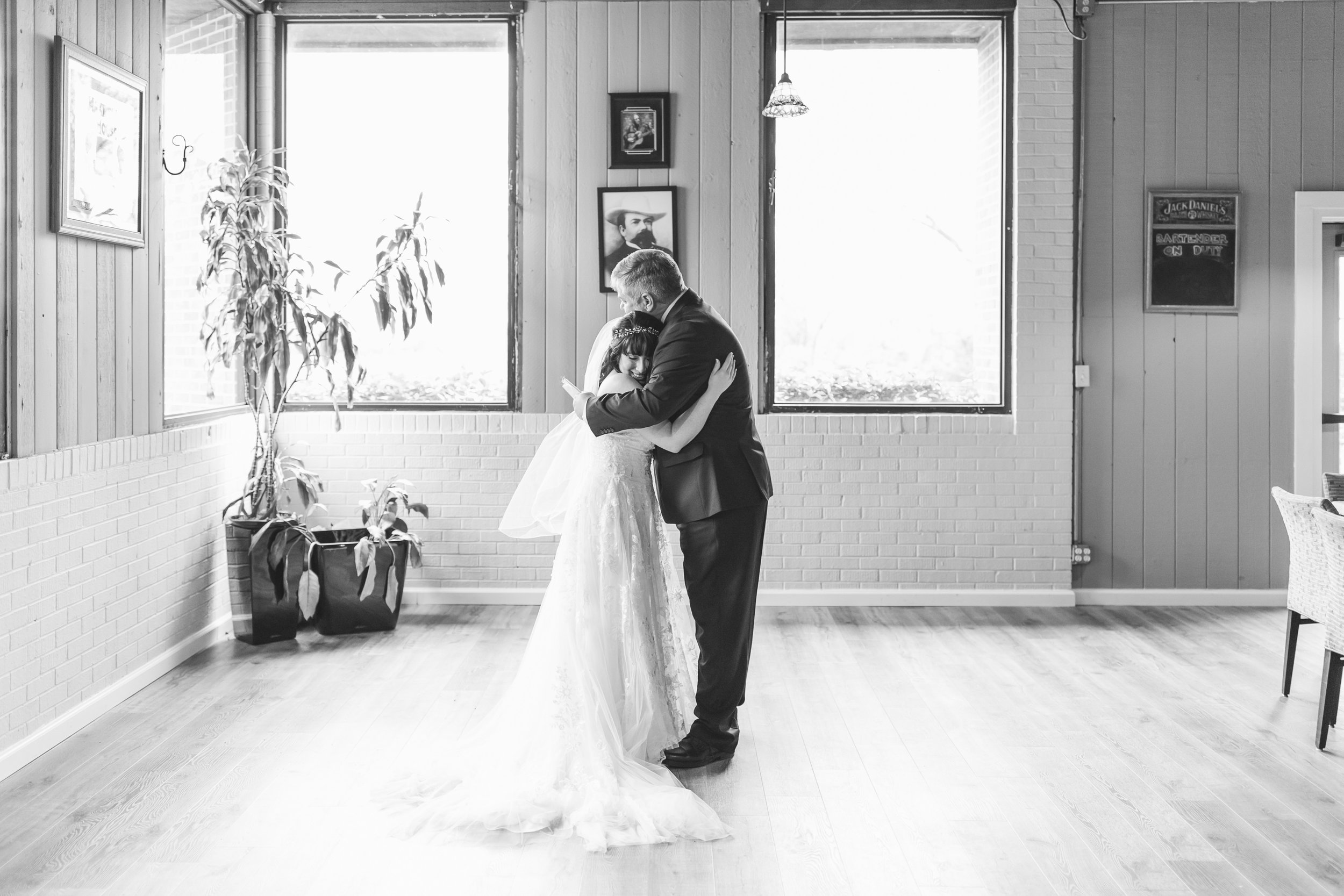 108_Colin+Jessica_WeddingBW.jpg