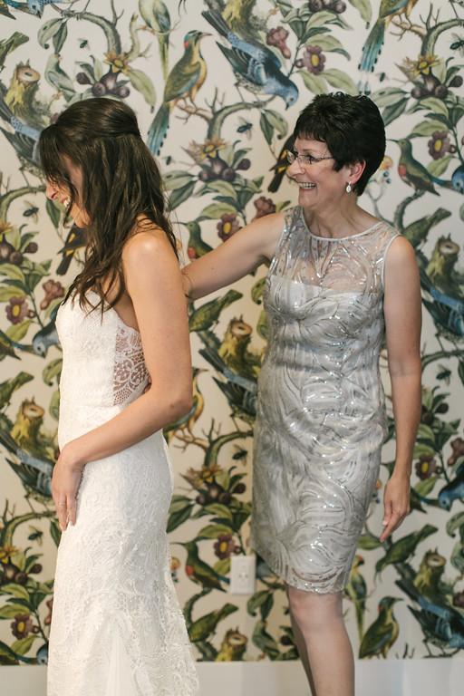 157_Anthony+Laura_Wedding-XL.jpg