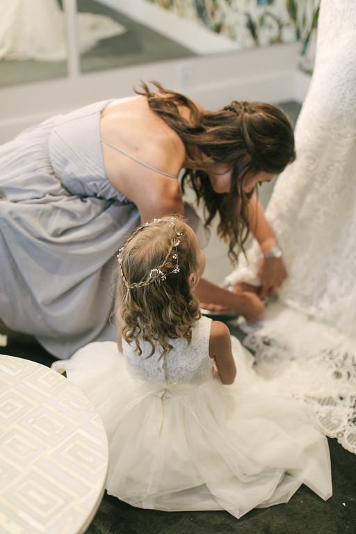 184_Anthony+Laura_Wedding-XL.jpg