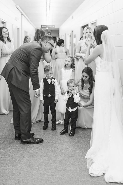 252_Anthony+Laura_WeddingBW-XL.jpg