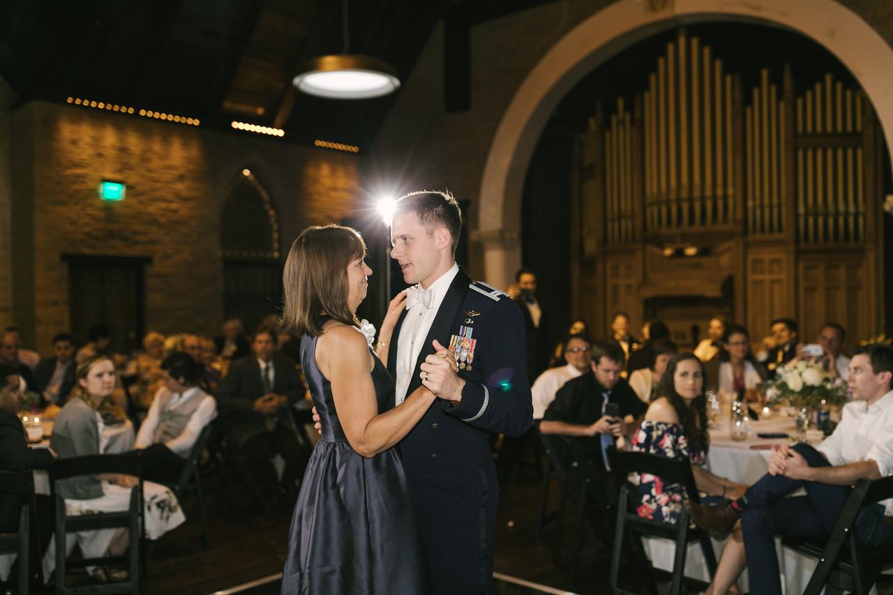 816_Anthony+Laura_Wedding-X2.jpg