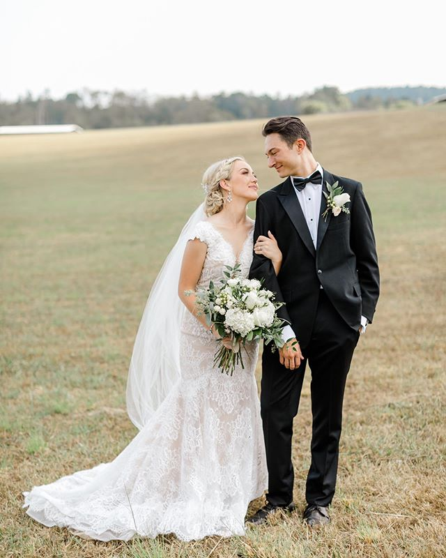 They're married! Congrats to Sarah and Ted! Hair: @kendraburgess55 Makeup: @tmshrum Dresses: @whiteroombridals Flowers: @saltboxinn Band: @vincemorenomusic Catering: @grade_acatering Cake: @mariamorganhillis #justinplushannah #wedding#weddingphotographer#weddingphotography #nashville#nashvilleweddingphotographer#nashvillewedding#tennesseeweddingphotographer#tennesseephotographer#nashvillesmallbusiness #smallbusiness#workfromhome #weddingvideo#weddingfilm #weddingvideographer#nashvilleweddingfilm#nashvilleweddingfilmmaker #nashvillefilm#tennesseefilmmakers#tennesseevideographer#nashvilleweddingvendor#nashvilleweddingvendors