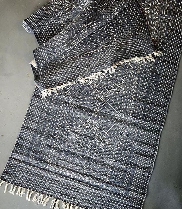 Back by popular demand! Incredible indigo batik runner 2.5' x 8'. . . . . . #batikrunner #batikprint #indigobatik #indigorug #runnerrug #bohostyle #bohodecor #homedecor #interiordesign #stylemyhome #shoplocal #tampaboutique #shoptampa #bluemoontradingco