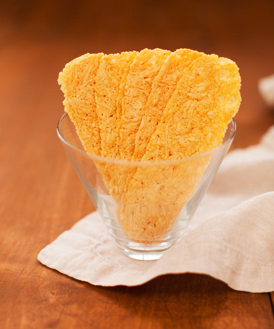 joyfull-parmesan-crisps-glass.jpg