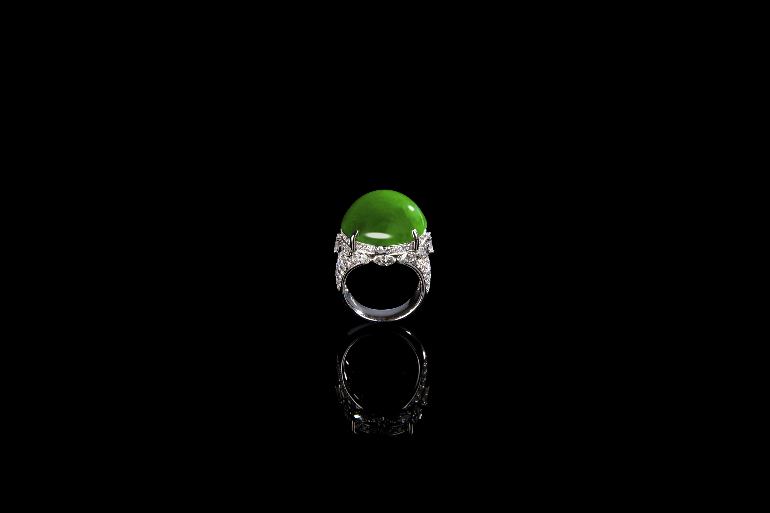 "Jadeite Jade ""A"" Type Imperial Green Cabochon Ring"