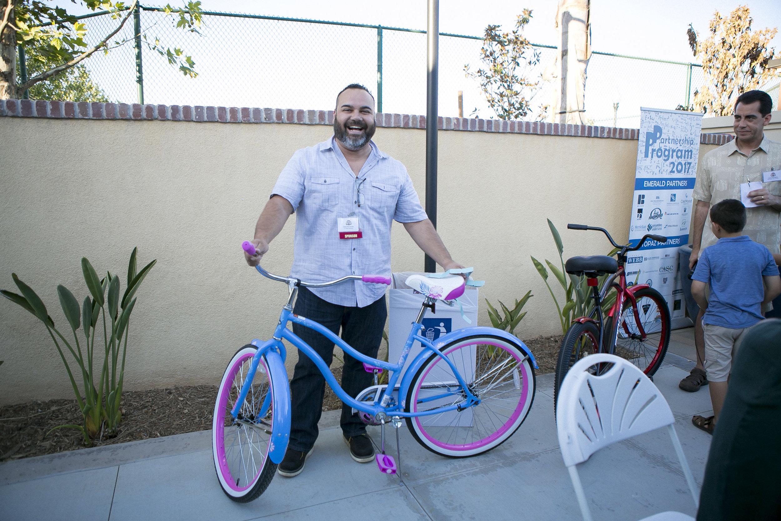 Women's Bike Winner:<br>Jesse Hernandez<br><i>Tri-State Materials</i>