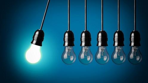 swinging-lightbulbs2.jpg
