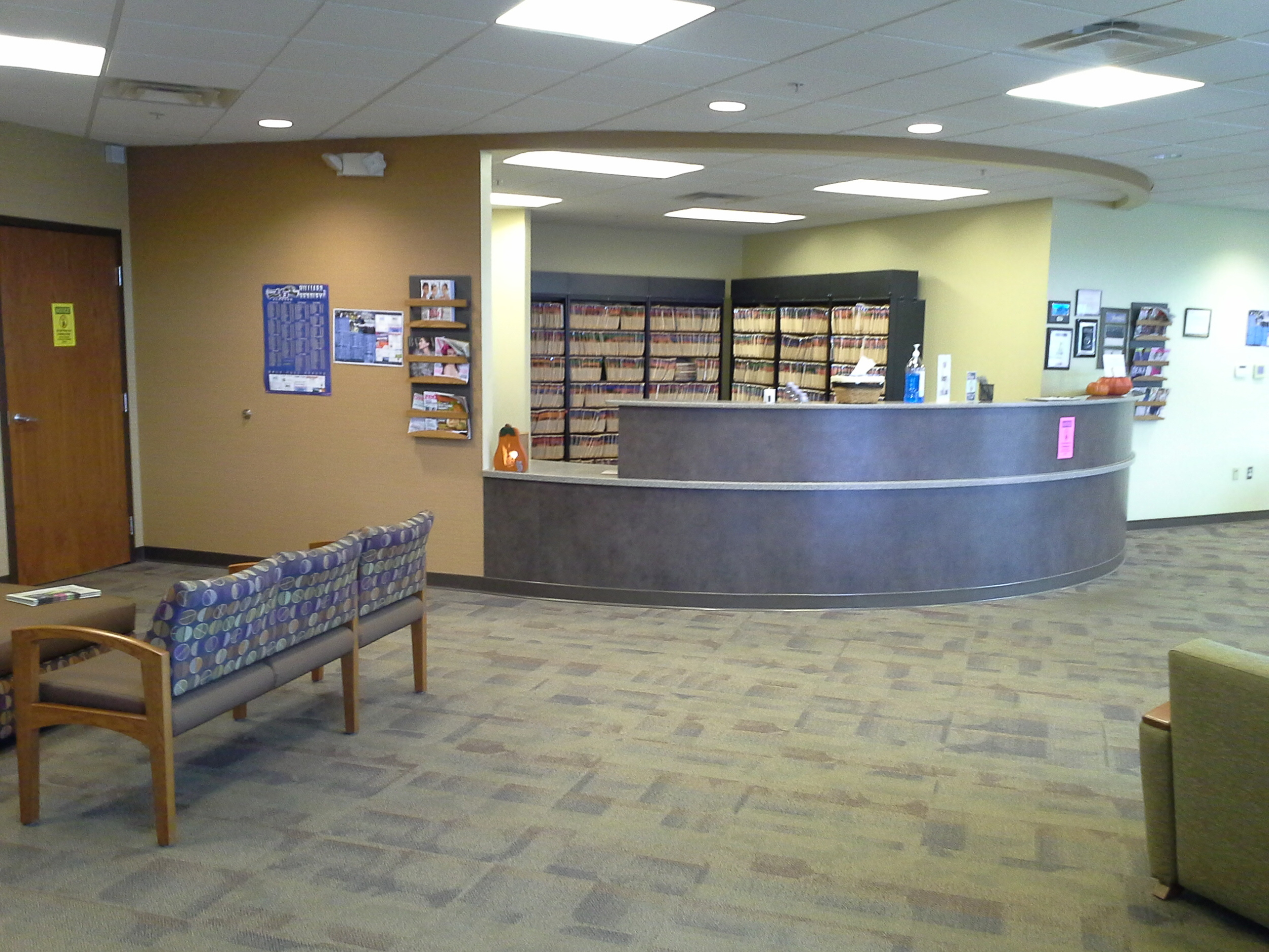 ExpressMed Hilliard waiting area and reception
