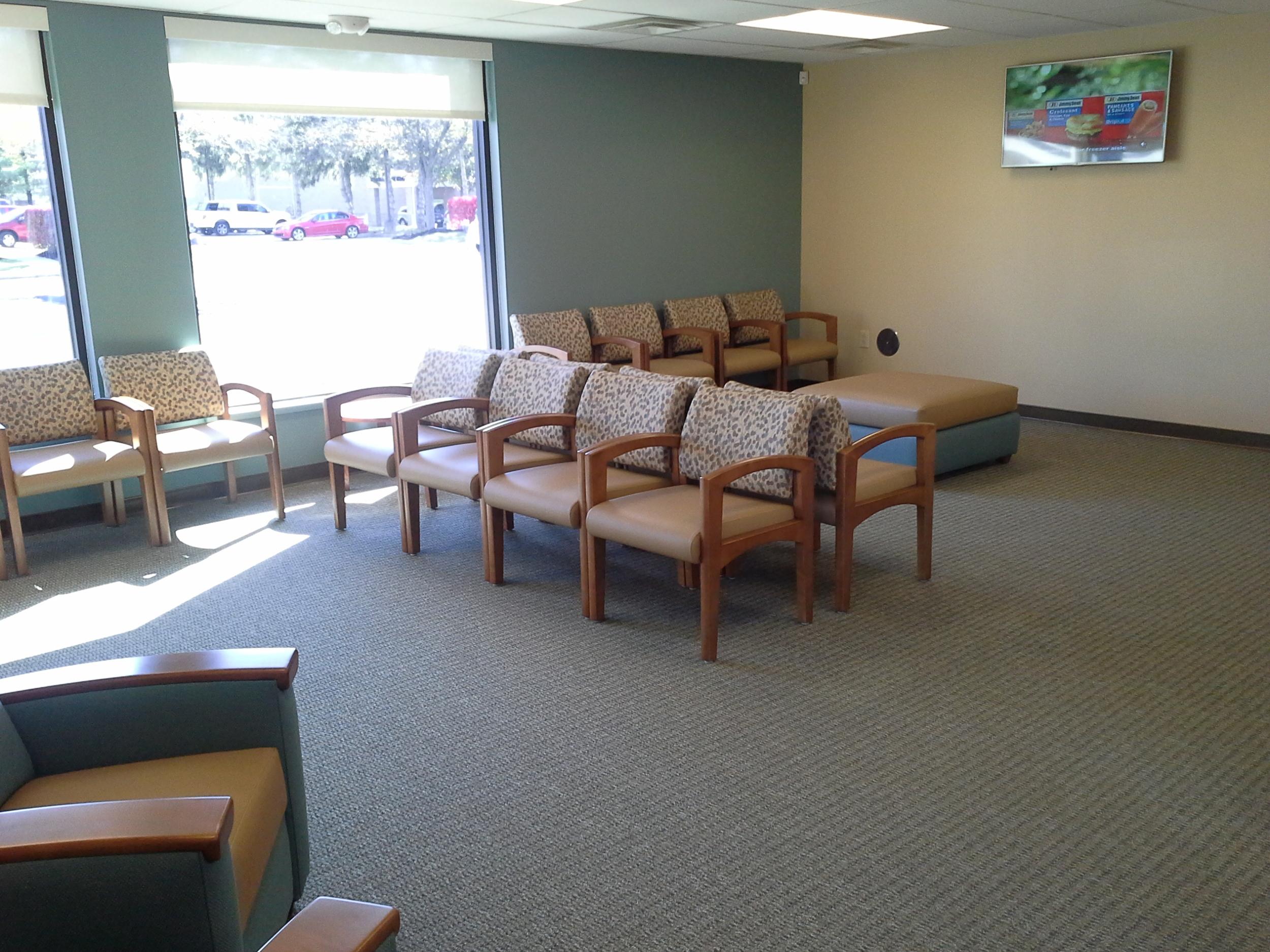 ExpressMed Gahanna waiting area