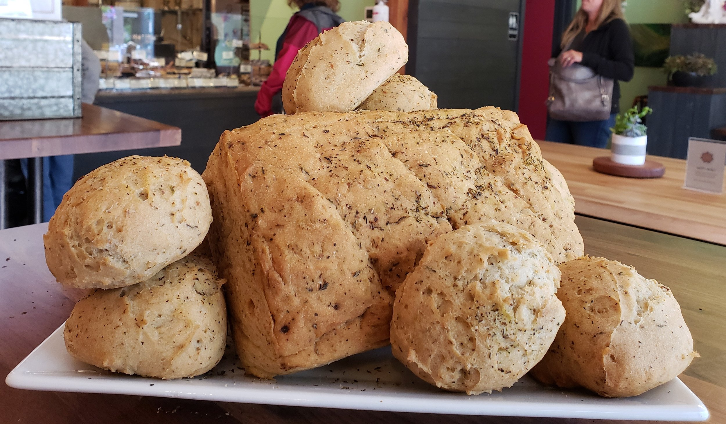 Garlic-Herb Bread: Nom Nom Nom