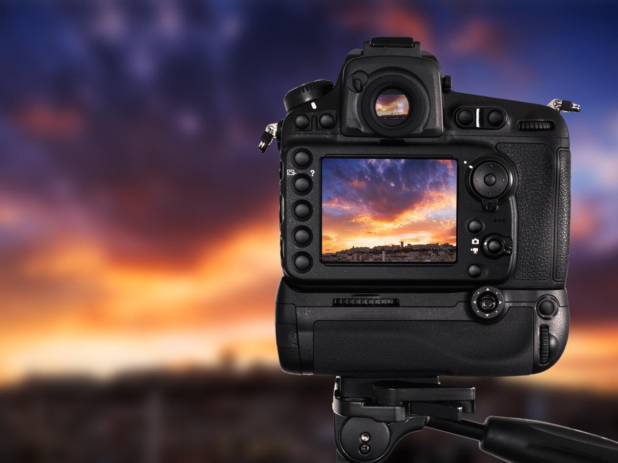 camera and sunset -  AdobeStock_79969162.jpeg