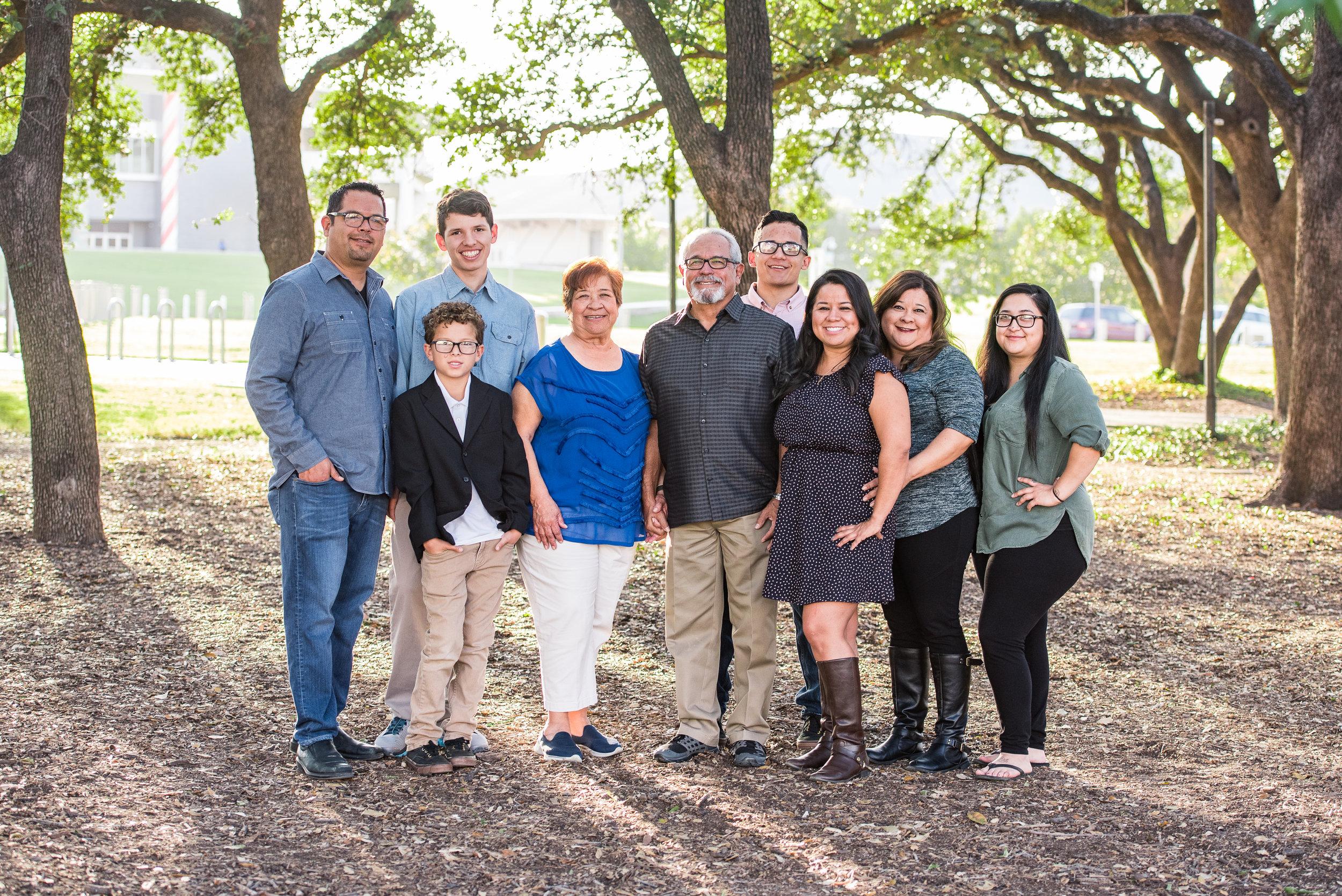 Erica Vargas Familiy-4.jpg