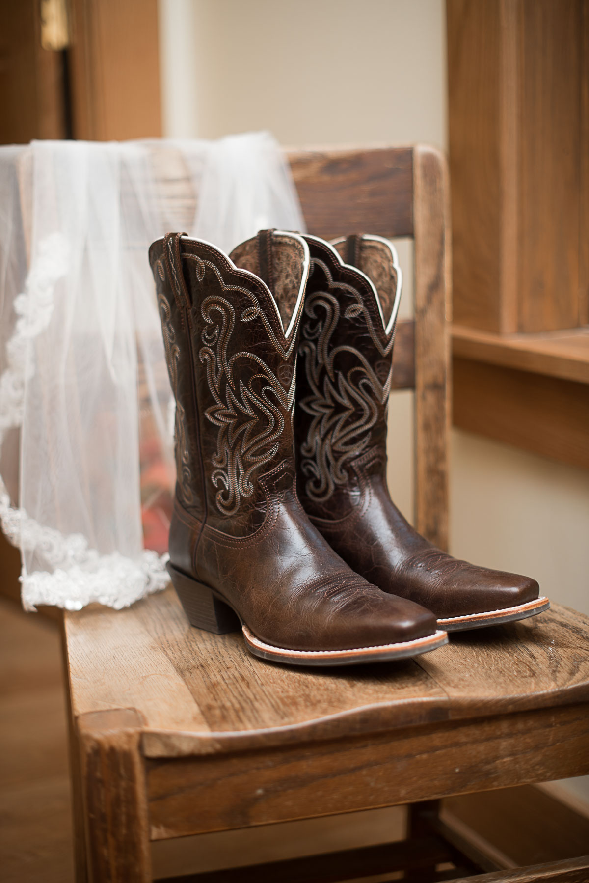 Austin Texas Wedding Photographer Barn Wedding at Nelson Farm in Manhattan Kansas-5.JPG