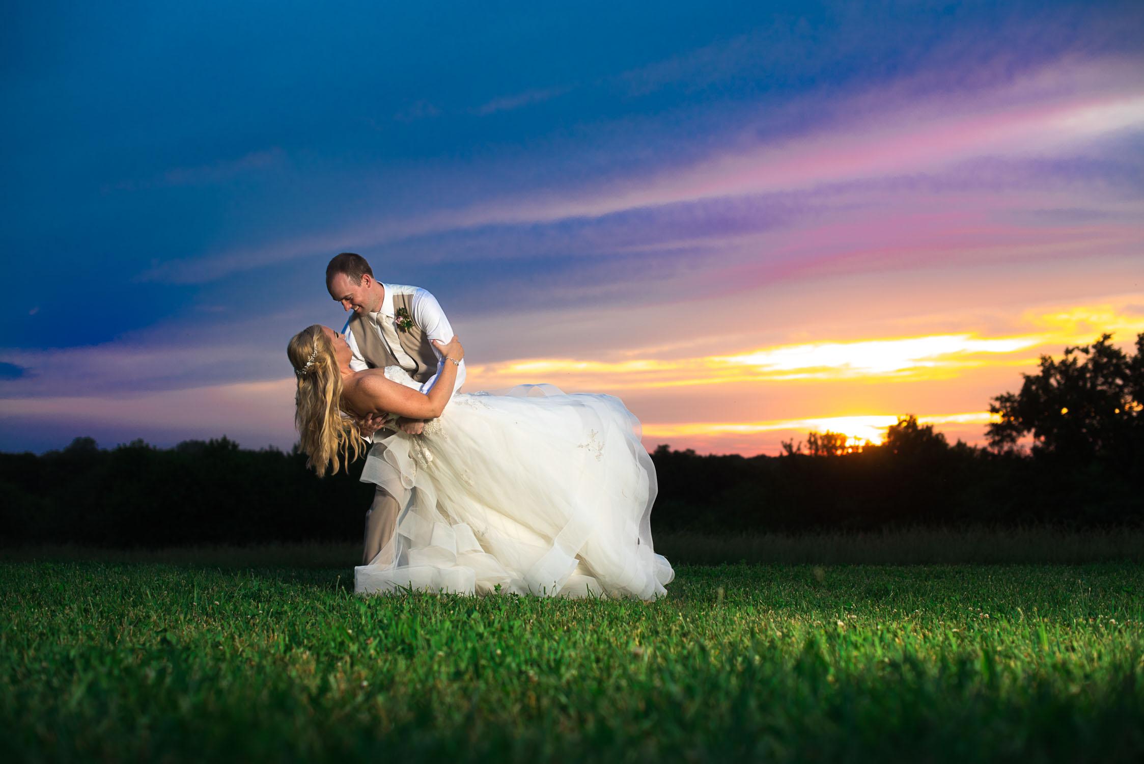 Rebecca and Andrew Sunset Wedding on Family farm Austin Wedding Photography-143.JPG