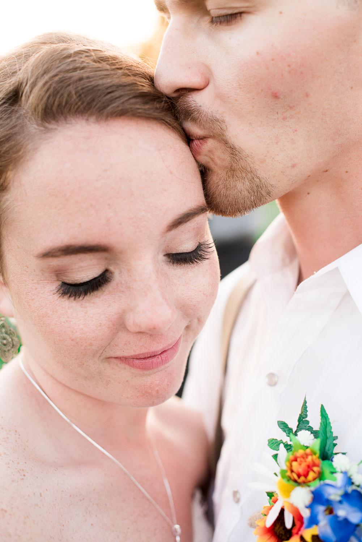 99 couples pose ideas for texas outdoor wedding.jpg