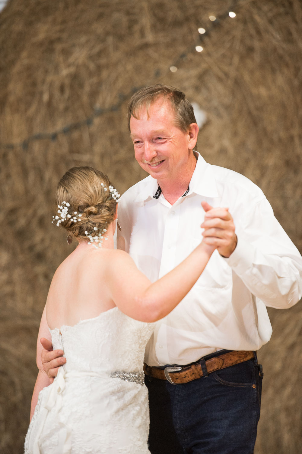 110 texas wedding  on family farm bride and her father share first dance.jpg