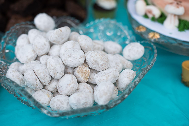 112 wedding cookies at reception.jpg