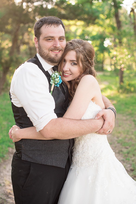 124 bride and groom photographs in la grange.jpg