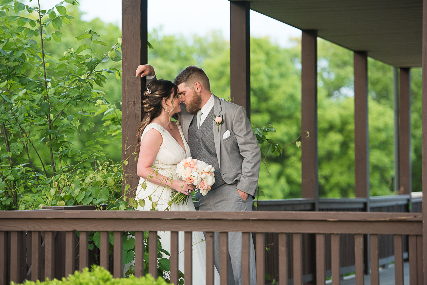 126 texas front porch wedding portraits.jpg
