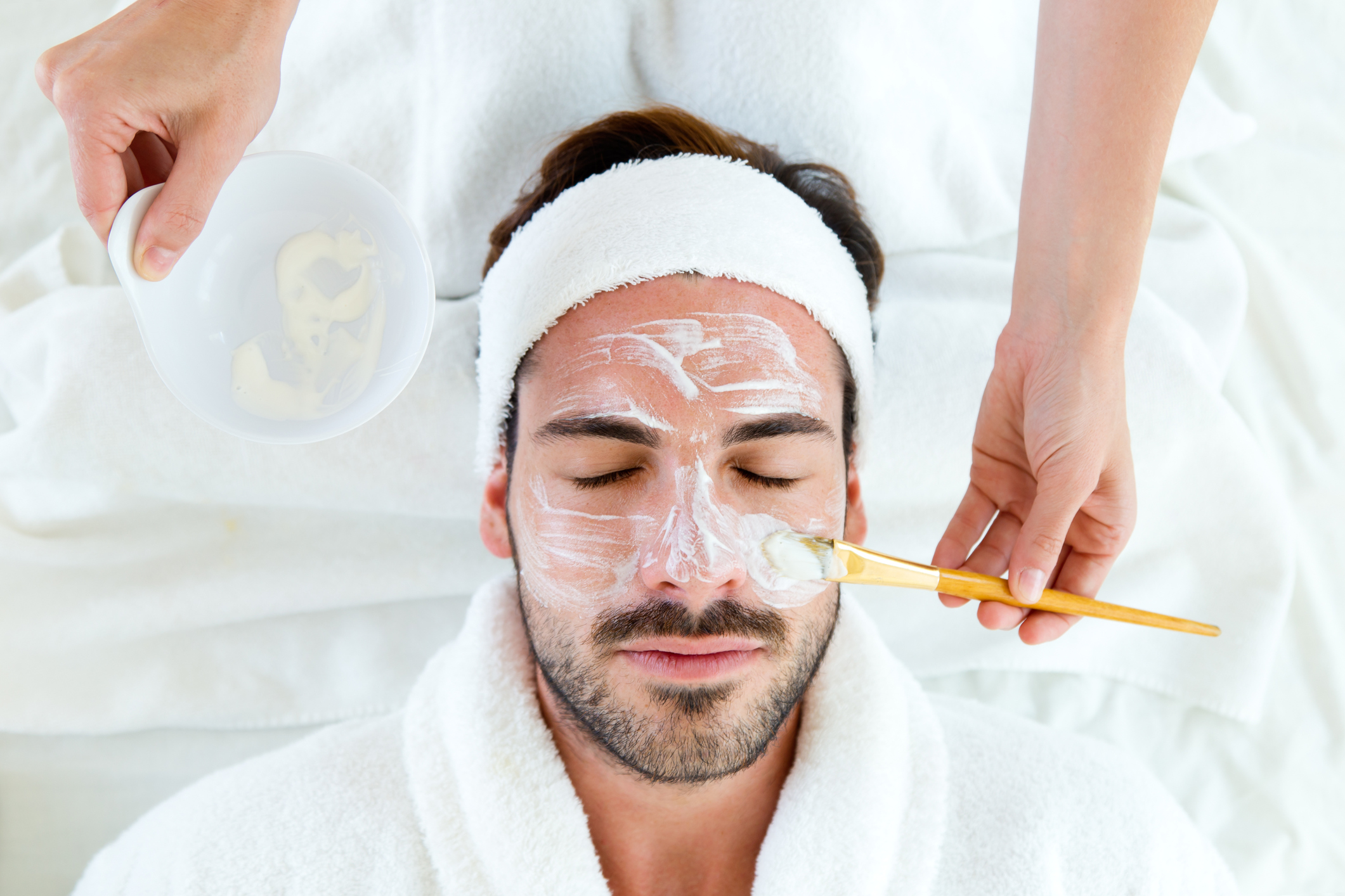 GENTLEMAN'S FACIAL - Treat those painful, embarrassing ingrown hairs and give your pores the ultimate deep clean with our powerful just-for-men facial.Leaves your face feeling cleansed, smooth, hydrated and healthy. Approx: 50 minutes $110