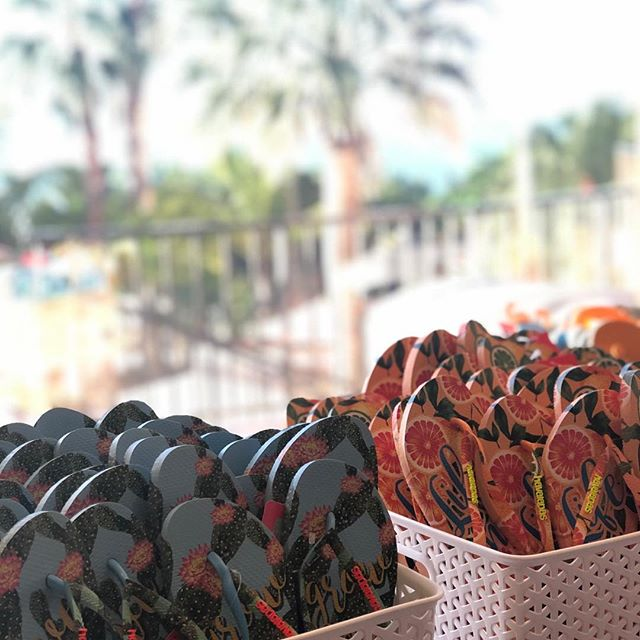 Happy prints for some happy people! Today everyone got the perfect beach sandal for their killer beach party!!.jpg
