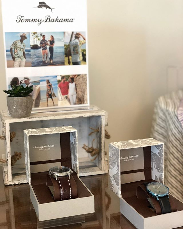 We are in BEAUTIFUL Laguna Beach this morning offering a full gifting suite of @tbahama items, including sandals, bags, watches, sweaters, and more!.jpg