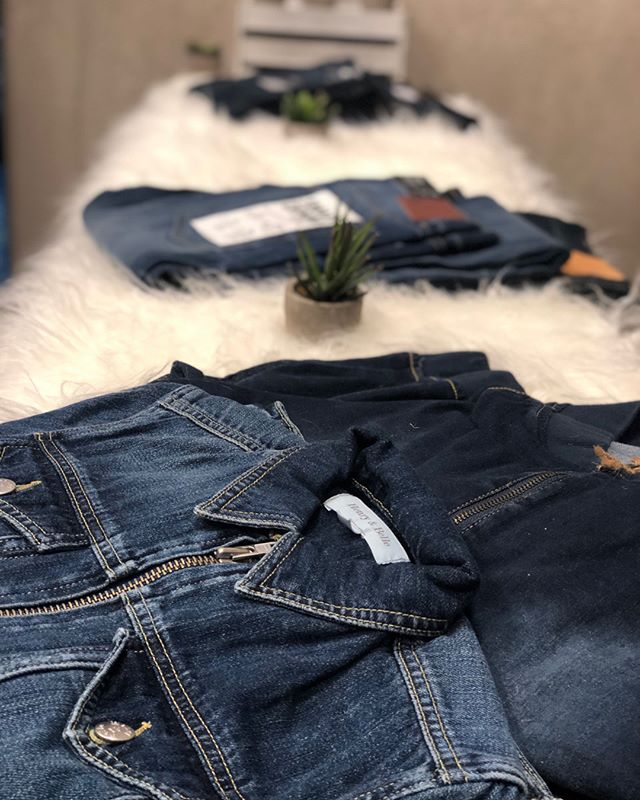 BLUE JEAN BAR — Always a great day for a blue jean bar! Guests loved the jean and jean jacket bar at our Denver event yesterday. These are by far our most unique and favorite events!.jpg