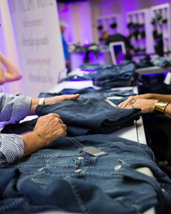 International Gifting Company blue jeans bar, corporate gifting, events, jack jacket