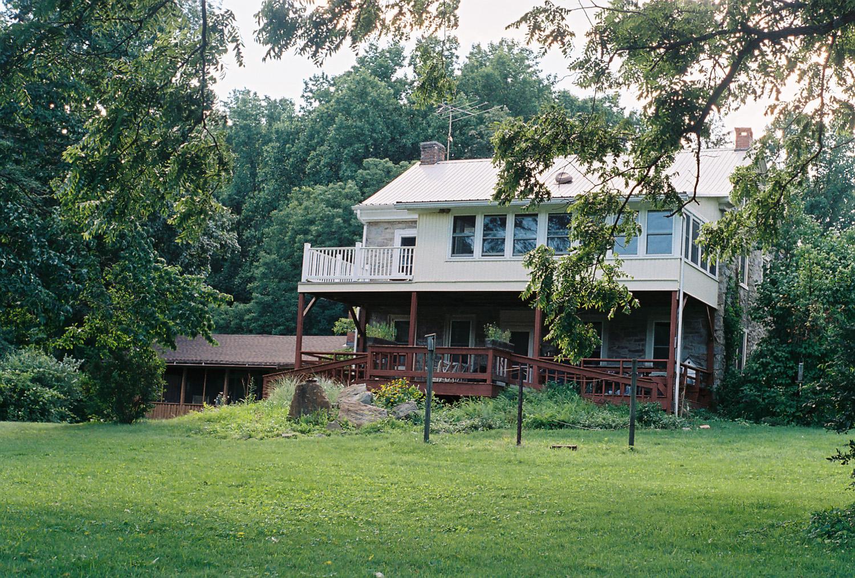 farmhousecabinweb.jpg