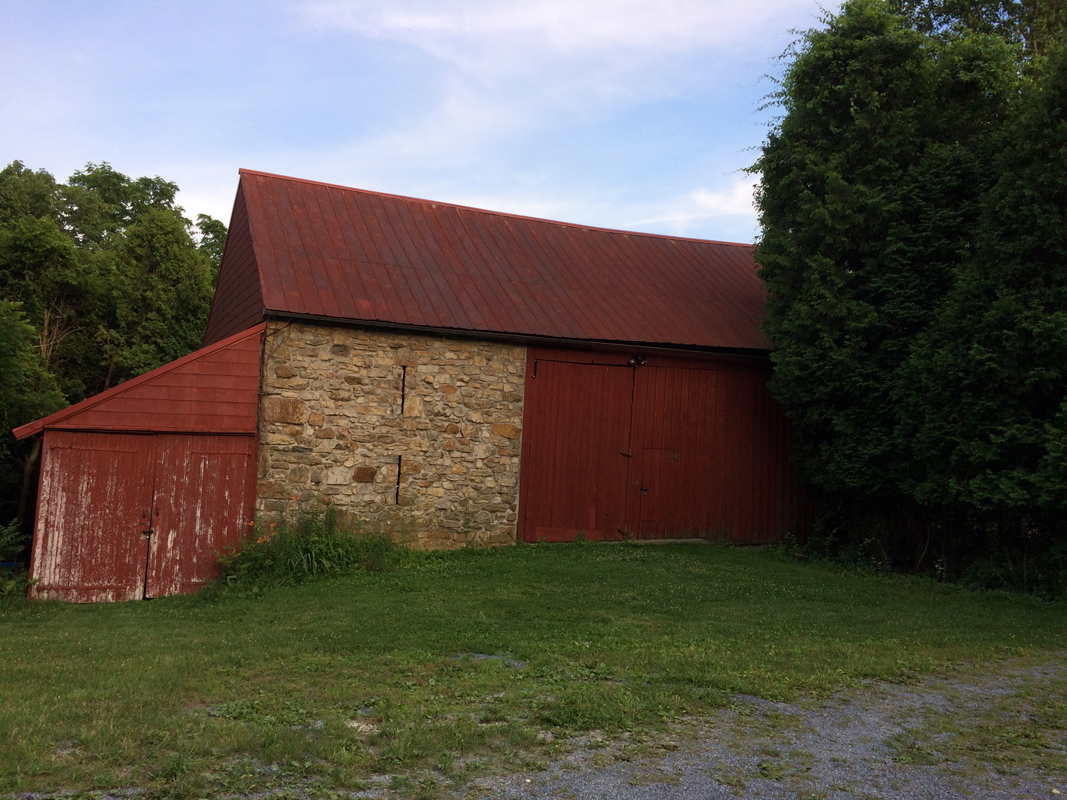 barnoutside.web.jpg
