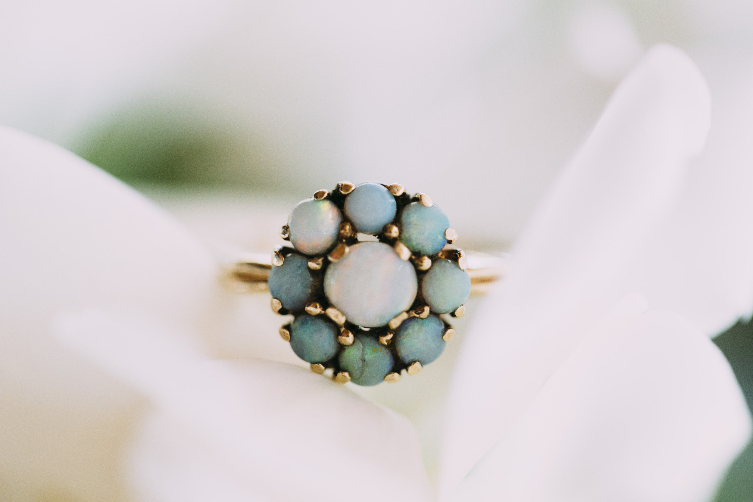 Photo :  Fox & Owl Studio //Not Just an Opal Ring