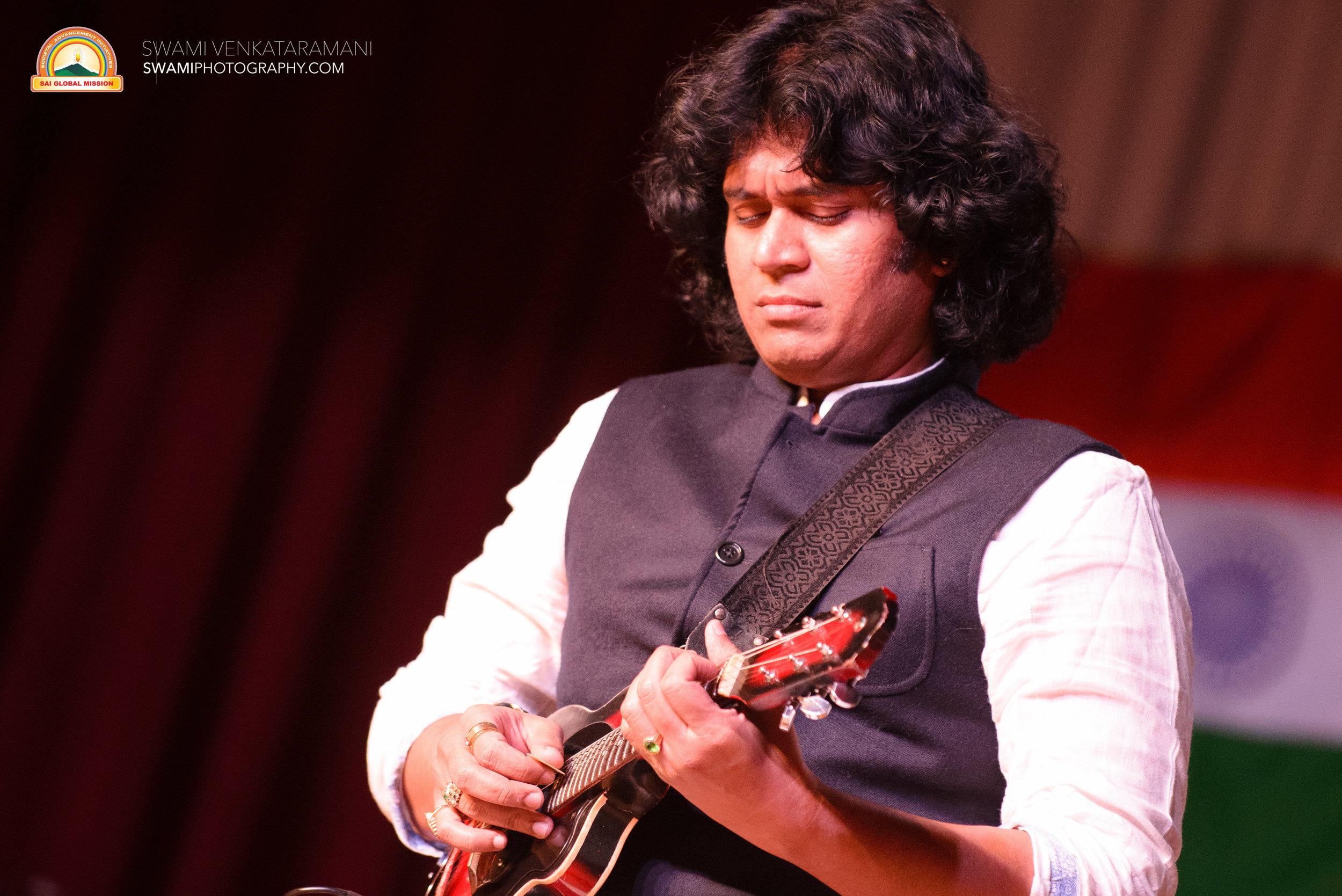 Mandolin Rajesh