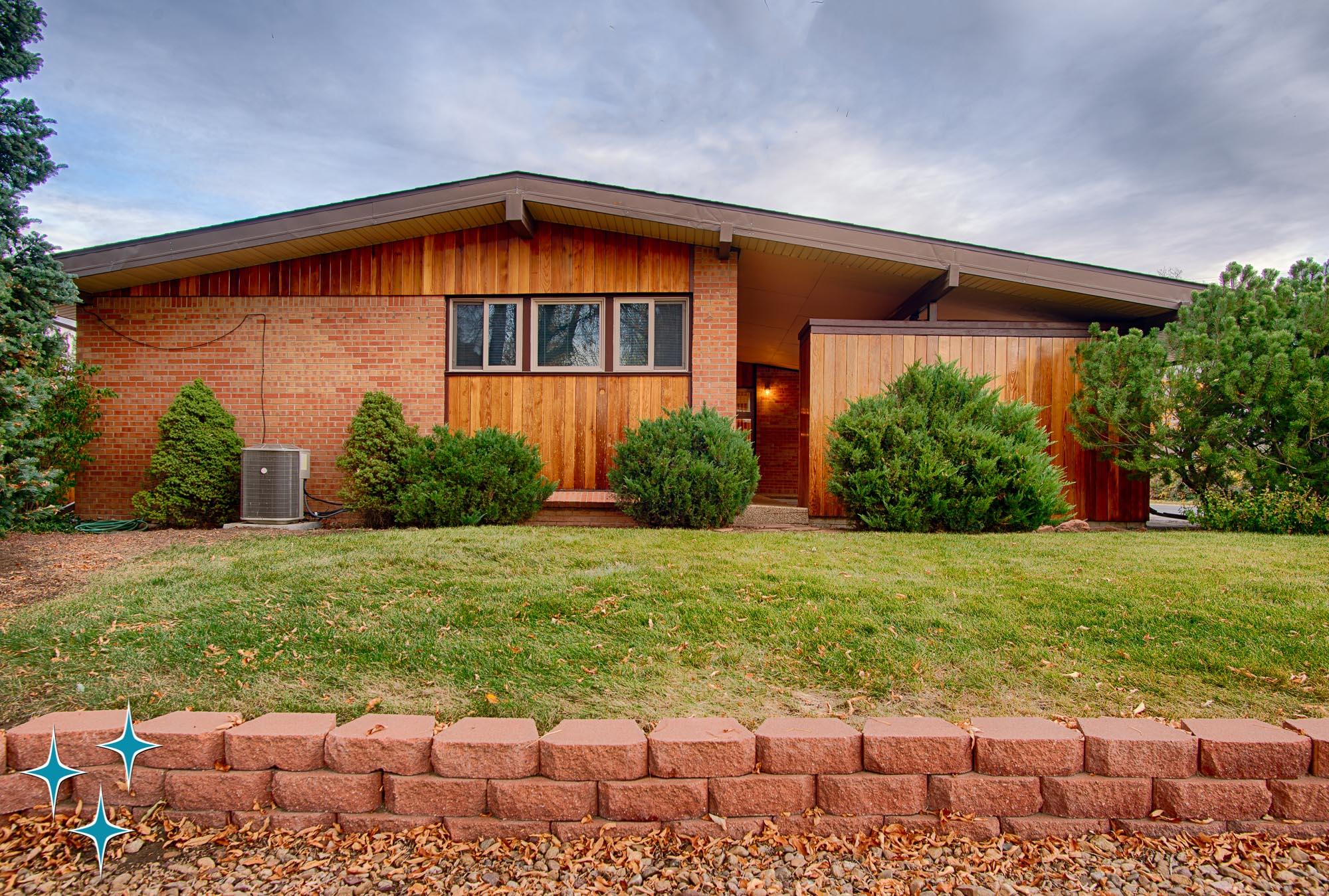 Adrian-Kinney-4155-W-Iliff-Avenue-Denver-r-Carey-Holiday-Home-2000w50-3SWM-1.jpg