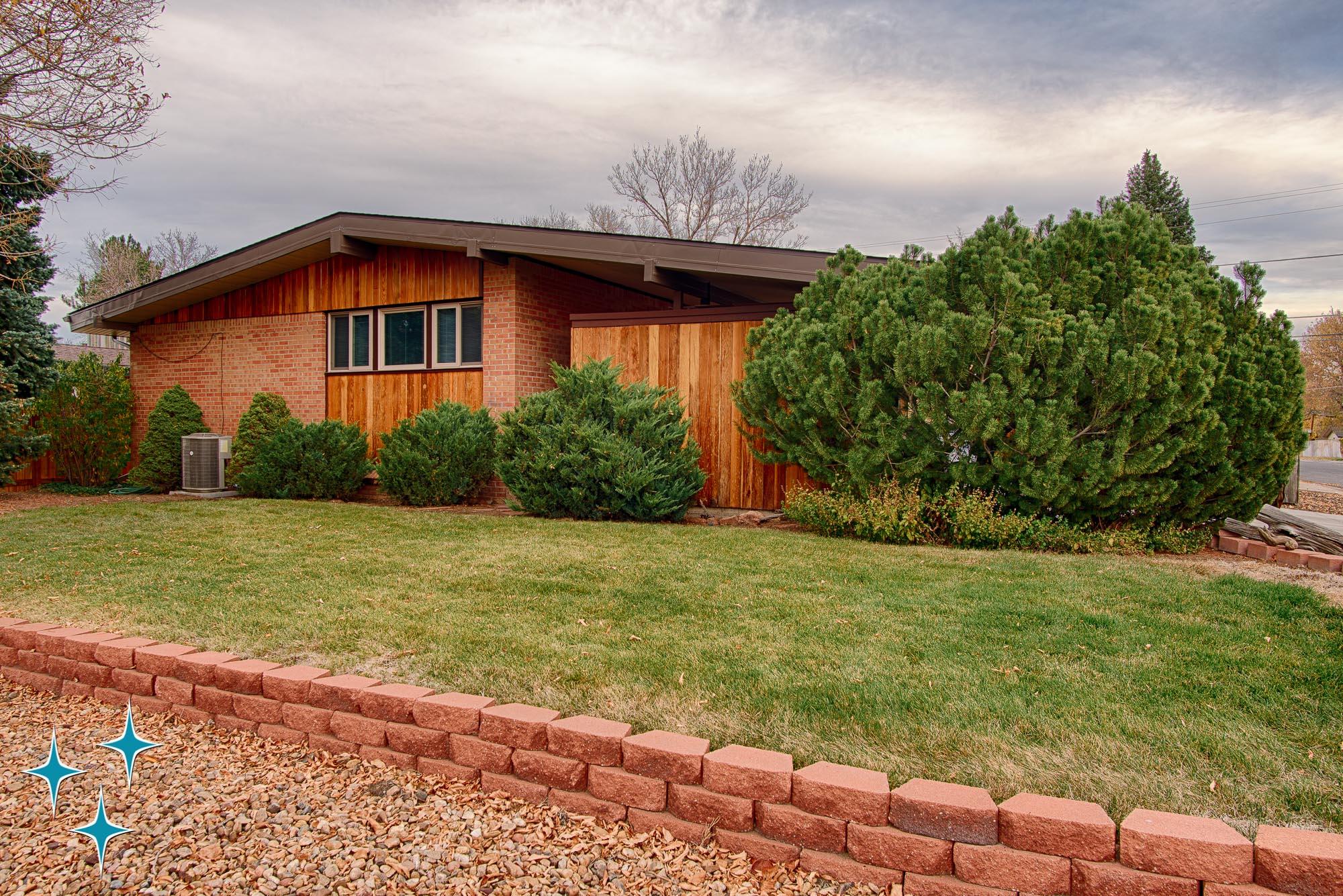 Adrian-Kinney-4155-W-Iliff-Avenue-Denver-r-Carey-Holiday-Home-2000w50-3SWM-2.jpg