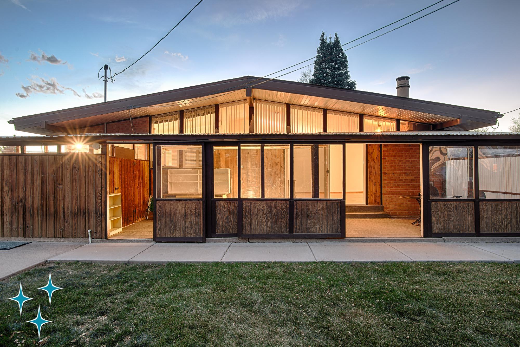 Adrian-Kinney-4155-W-Iliff-Avenue-Denver-r-Carey-Holiday-Home-2000w50-3SWM-8.jpg