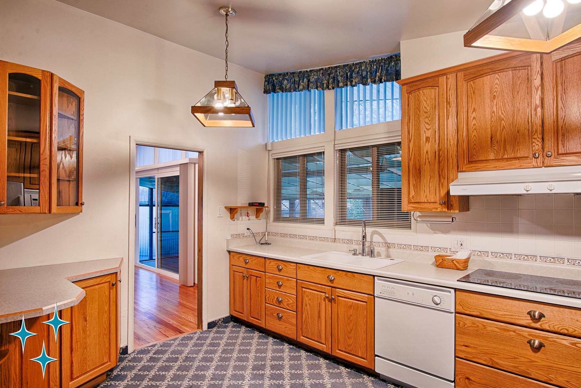 Adrian-Kinney-4155-W-Iliff-Avenue-Denver-r-Carey-Holiday-Home-2000w50-3SWM-10.jpg