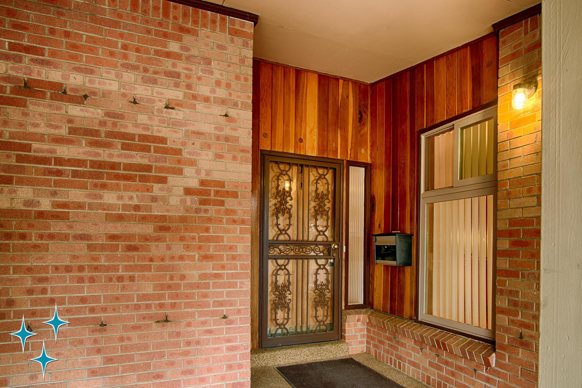 Adrian-Kinney-4155-W-Iliff-Avenue-Denver-r-Carey-Holiday-Home-2000w50-3SWM-17.jpg