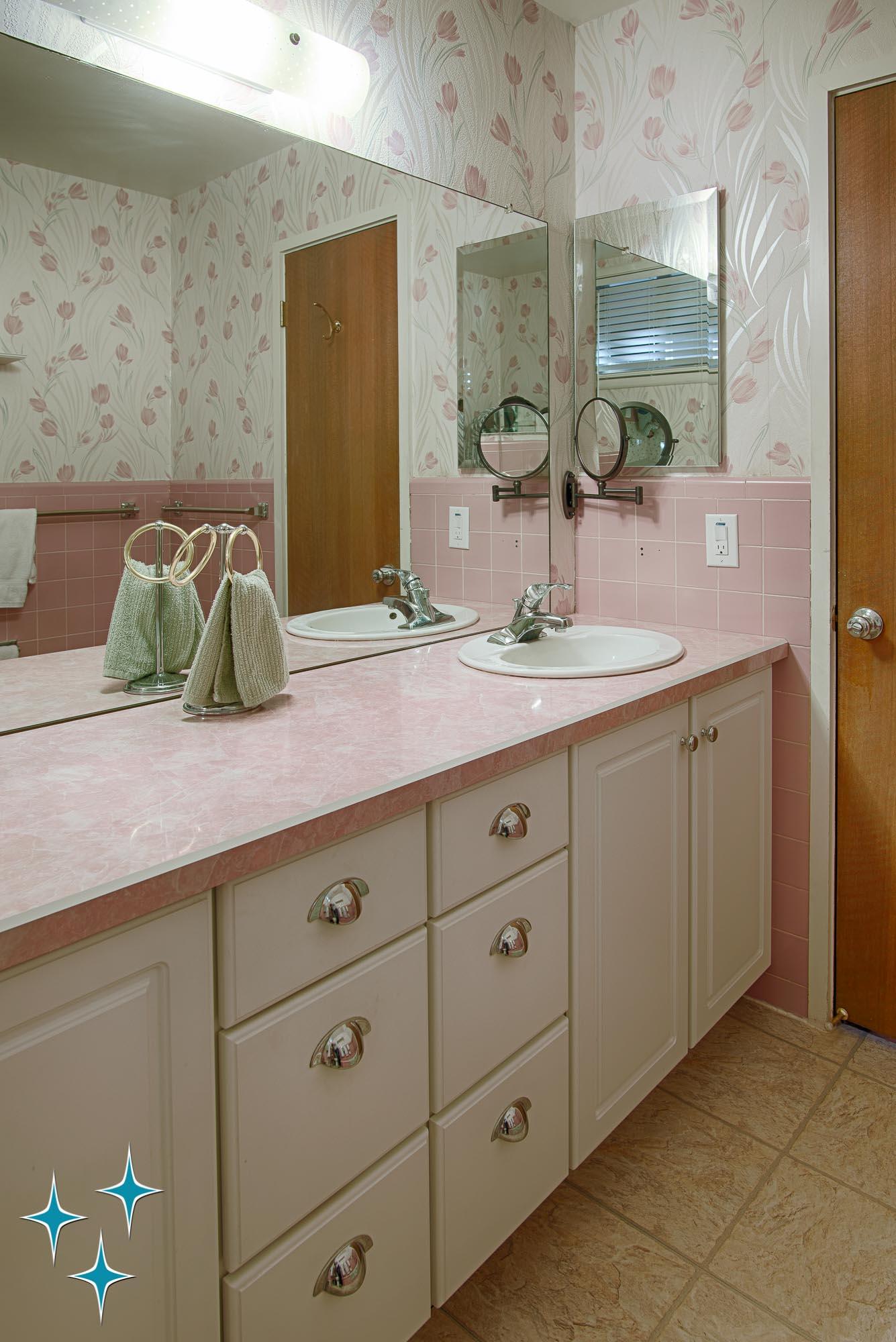 Adrian-Kinney-4155-W-Iliff-Avenue-Denver-r-Carey-Holiday-Home-2000w50-3SWM-27.jpg