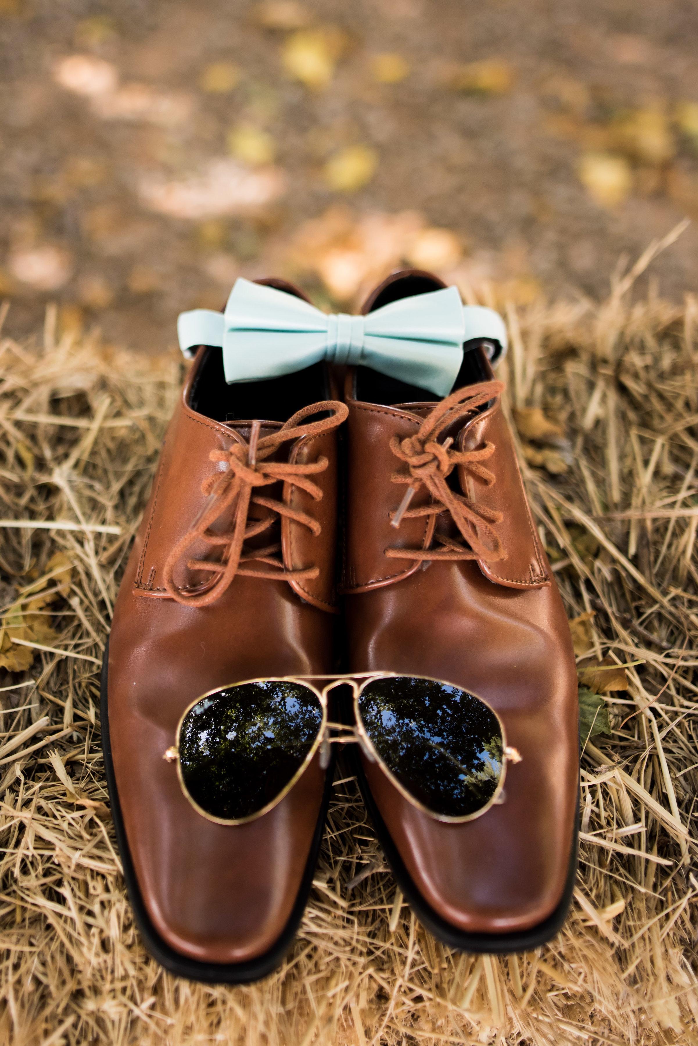 grooms shoes.jpg