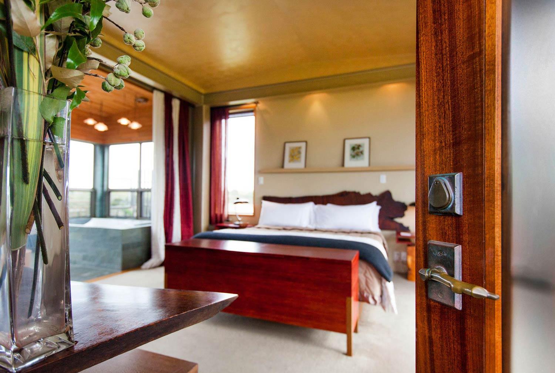 Luxury Accommodation New Zealand South Island Hapuku Lodge Tree Houses Kaikoura
