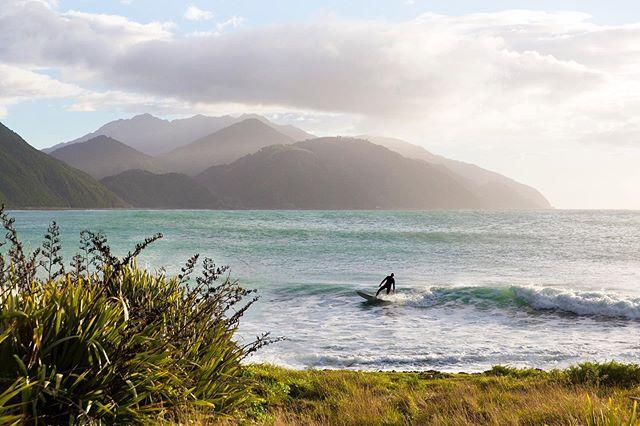 Mangamaunu is a surfers paradise. . . . . #kaikoura #southisland #newzealand #hapukulodge #surf