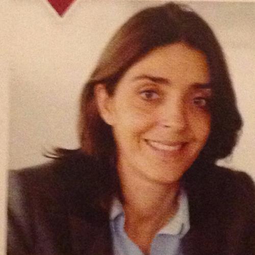 Caroline Rattier - Présidente et co-fondatriceResponsable solidarité et soutien aux entreprisesDiplômée de Psychologie Master ESSEC5 ans psychologue à Saint-Martin