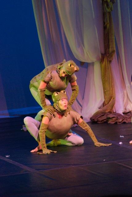 Jennifer Beauchamp and Jennifer Carlson as the toads