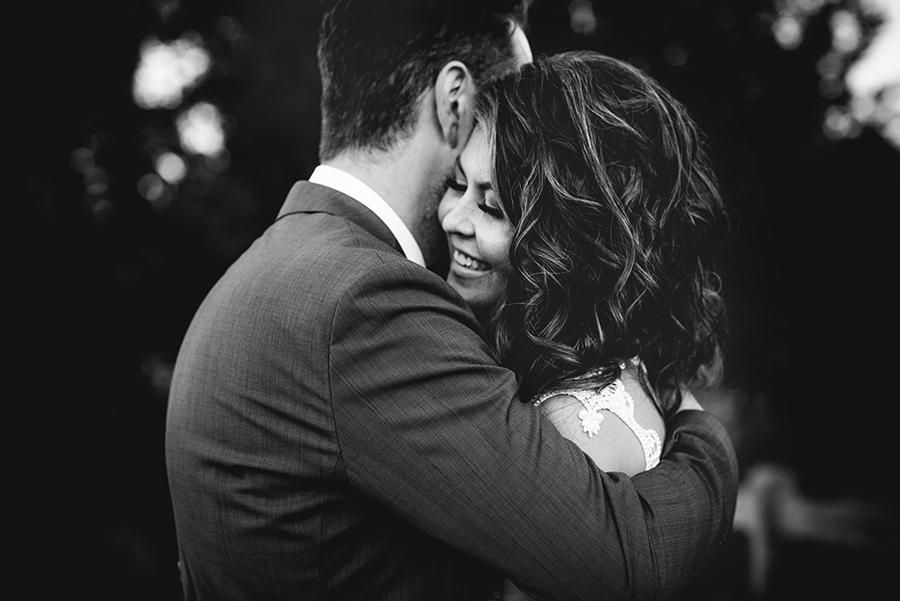 25550_298_storytelling-wedding-photographer.jpg