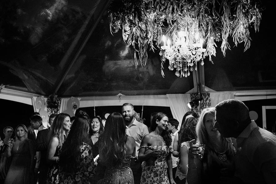 35550_375_storytelling-wedding-photographer.jpg