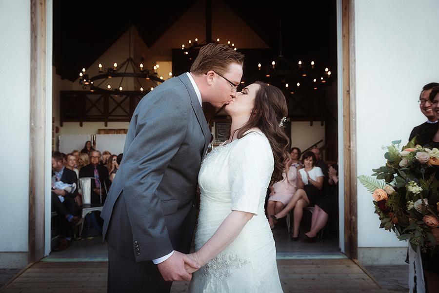 552_186_storytelling-wedding-photographer.jpg